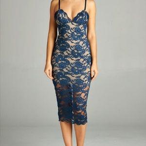 Lace body con midi dress